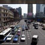 上海の街並み 日中の道路