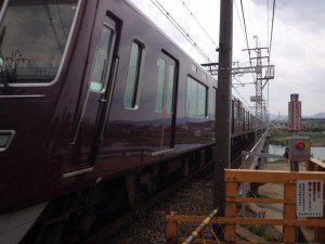 ぐにゃっとした阪急電車