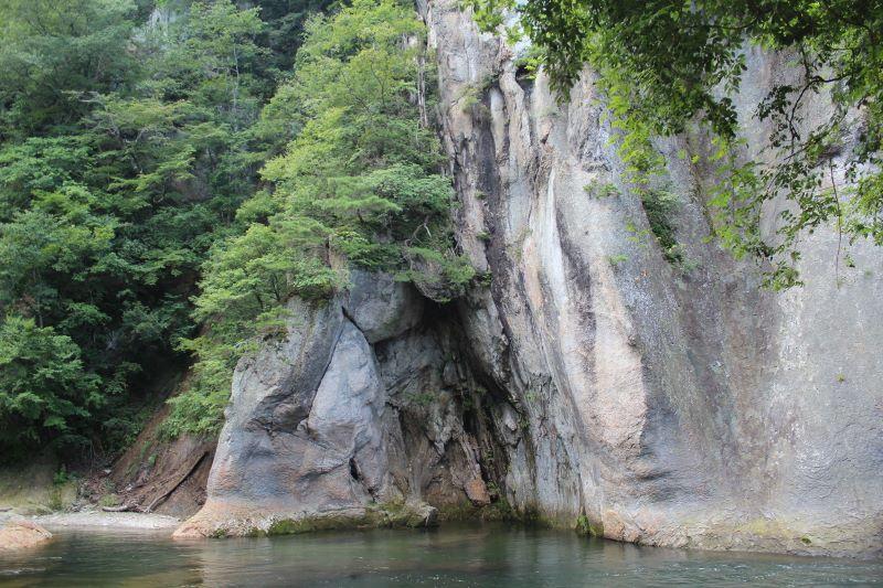 吹割の滝 岩肌