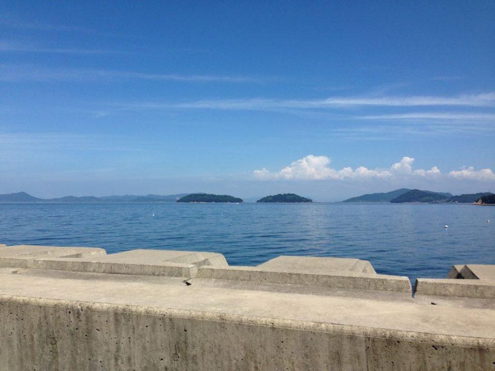 県道から見える笠岡諸島