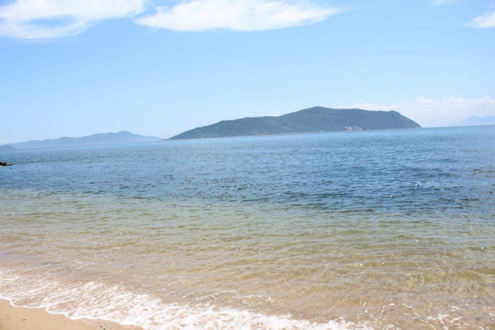 真鍋島 浜辺