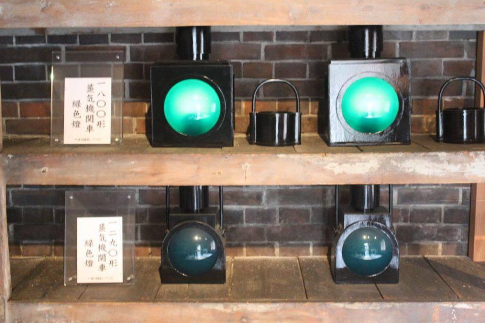 蒸気機関車緑色燈