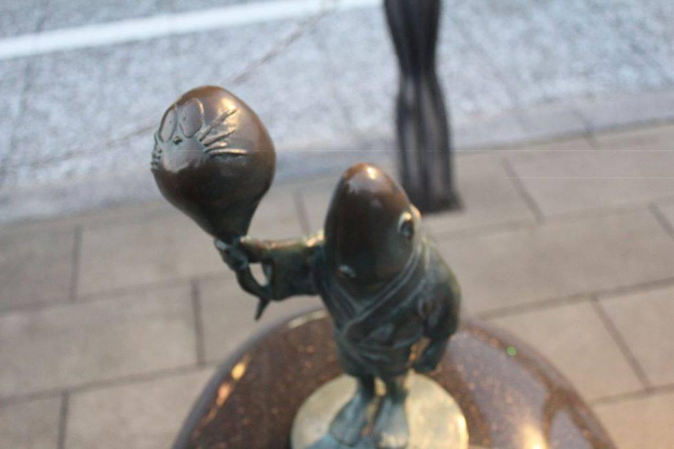 のっぺらぼう 妖怪ブロンズ像