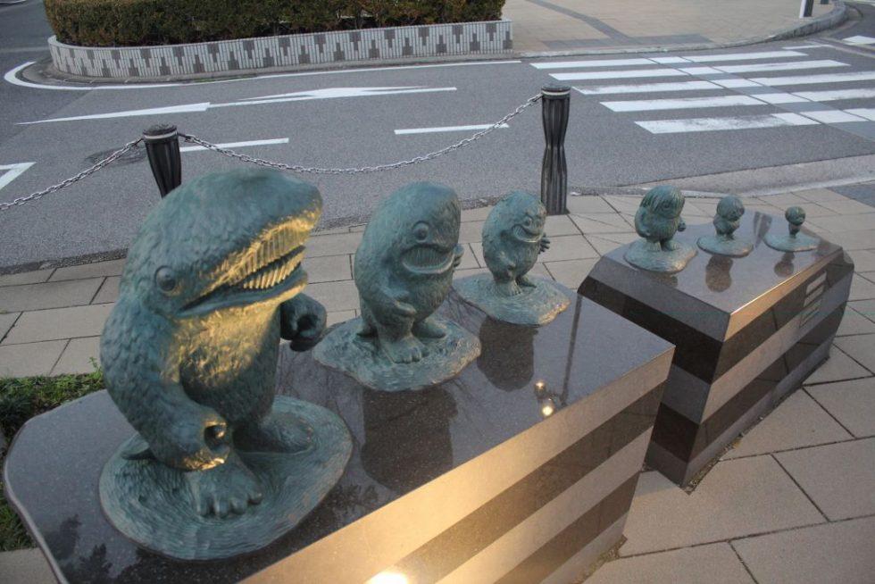 大海獣 妖怪ブロンズ像