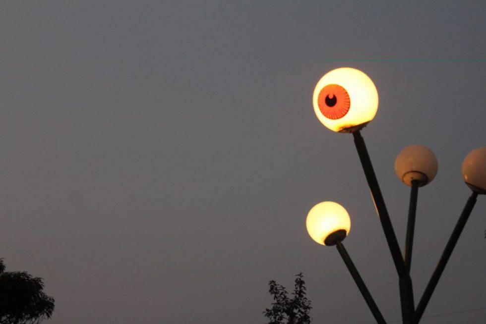 目玉の親父 街灯