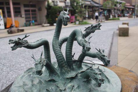 八岐大蛇(やまたのおろち)妖怪ブロンズ像