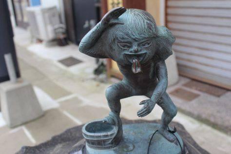 あかなめ 妖怪ブロンズ像
