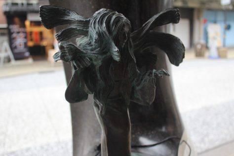針女(はりおなご、はりおんな)妖怪ブロンズ像