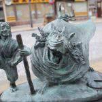 麒麟獅子(きりんじし)と猩猩(しょうじょう)妖怪ブロンズ像