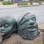 つるべおとし 妖怪ブロンズ像