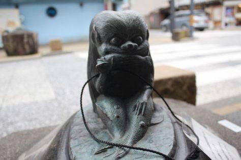 海女房(うみにょうぼう)妖怪ブロンズ像
