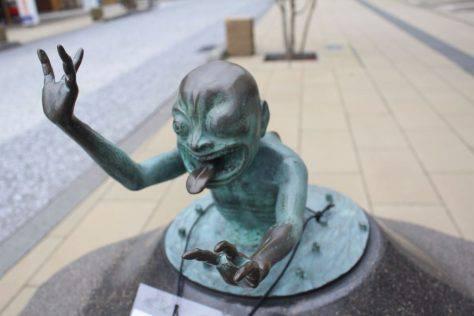 泥田坊(どろたぼう)妖怪ブロンズ像