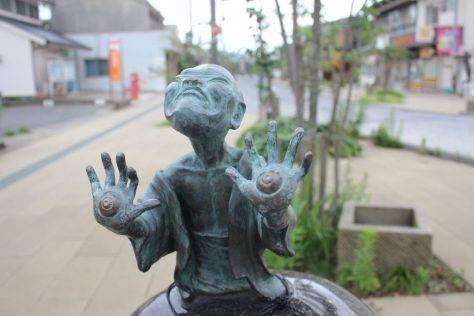 手の目(てのめ)妖怪ブロンズ像