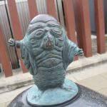 百目(ひゃくめ)妖怪ブロンズ像