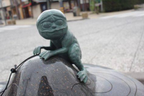 カワエロ 妖怪ブロンズ像